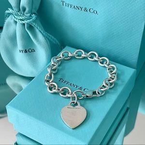 ❤️ Tiffany Heart Tag Charm Bracelet